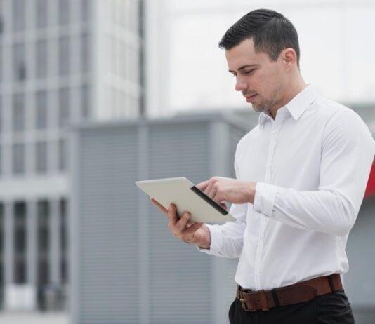 Szkolenia online sposobem na zdobycie nowych kwalifikacji w IT